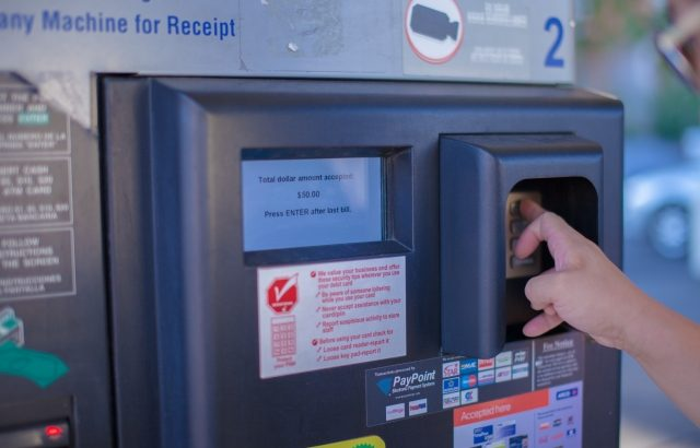 海外ATMにてクレカが吸い込まれた!対処法をご紹介